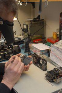 Reparatur Service - Kamera wird repariert
